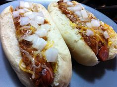 (: Coney Island Chili Dogs :)  Sub sugar substitute for THM and use Hebrew national dogs!