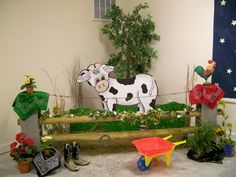 there's that wheelbarrow I need for one of the skits. Barn Wood Crafts, Farm Crafts, Vbs Crafts, Farm Animal Party, Farm Party, Vbs Themes, Bible School Crafts, Westerns, Vbs 2016
