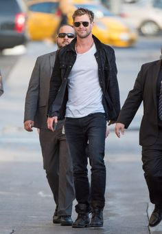 Chris Hemsworth Appears on 'Kimmel'
