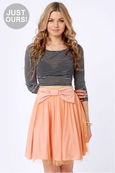 Check it out from Lulus.com! LuLu*s Exclusive! Rock that bow like a pro in the adorable Bow Pro Peach Skater Skirt! Fanciful layers of tulle create the ultimate