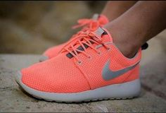 Nike Free Shoes only $21 for this days,I would love a pair of riding nike shoes like this.