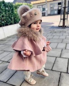 Girls Winter Outfits, Cute Baby Girl Outfits, Cute Outfits For Kids, Cute Baby Clothes, Cute Kids, Stylish Baby Girls, Baby Girl Fashion, Kids Fashion, Cute Baby Girl Pictures
