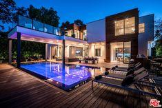 3958 Sunswept Dr, Studio City, CA 91604 | MLS #18372504 | Zillow Dream Home Design, Home Design Plans, Style At Home, Terrasse Design, Modern Villa Design, Luxury Homes Dream Houses, Dream House Exterior, House Goals, Home Fashion
