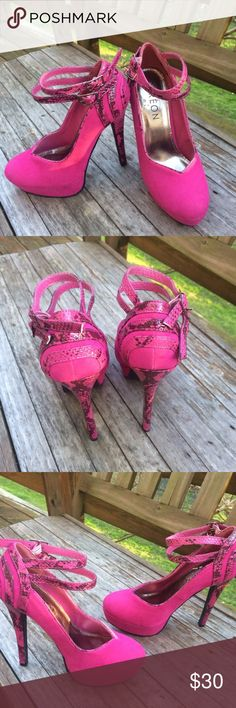 Dereon | Like New Platform Heels These are in excellent condition. They are somewhere between hot pink and fuschia. The Dereon brand is a shoe line from Beyoncé. These are definitely Sasha Fierce! Dereon Shoes Heels