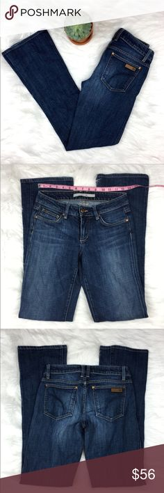 Joe's Jeans Honey Boot Cut in Burke Joe's Jeans Honey Boot Cut in the color Burke. Size 27 with 32' inseam and 7 1/2' rise. (Per my measurements, the description in photos shows a little different) Pre-owned condition with no major flaws. Leather label is slightly patinated. ❌I do not Trade 🙅🏻 Or model💲 Posh Transactions ONLY Joe's Jeans Jeans Boot Cut