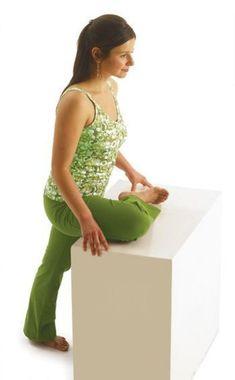 Faire ces petits exercices de yoga régulièrement aident énormément à soulager la douleur!