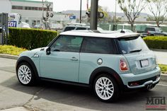 Minty Fresh: Clean & Mean Mini Cooper S Ice blue Mini Cooper S – White hardtop with matching white rims Fancy Cars, Cute Cars, Mini Cooper S, Dirt Track Racing, Drag Racing, My Dream Car, Dream Cars, Jacky, White Rims
