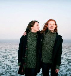 Alice Englert stars as Rosa and Elle Fanning stars as Ginger in Ginger and Rosa - Movie still no 8