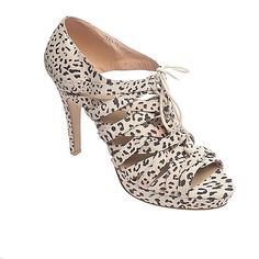 Awesome large size shoe in leopard from www.bigshoezam.com.au