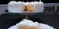 Ελαφριά Τούρτα ραβανί με ινδοκάρυδο και κρέμα λευκής σοκολάτας Food Decoration, Vanilla Cake, Cheese, Desserts, Tailgate Desserts, Deserts, Postres, Dessert, Plated Desserts
