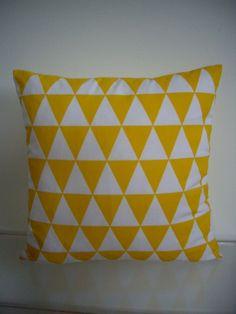 Poduszka w żółto- białe romby - fabrica-Sylwia - Poduszki