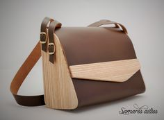 Trendy Bag Description Handbag in wood and brown leather: Handbags by samares-wing Sewing Leather, Leather Craft, Leather Purses, Leather Wallet, Wooden Purse, Bags 2017, How To Make Handbags, Leather Bags Handmade, Leather Projects