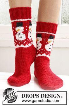 "Knitted DROPS socks with Christmas pattern in ""Karisma"". ~ DROPS Design"