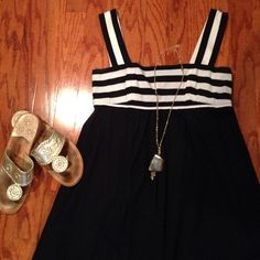 Black and White Dress Fun black and white striped dress. Light cotton fabric making it great for the Spring or Summer. Adrianna Papell Dresses