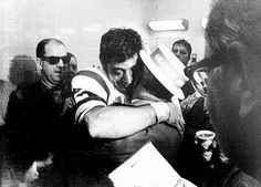 Joe Namath embraces his father after the Jets win Super Bowl III on Jan. 12, 1969.