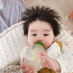 Image may contain: 1 person Cute Baby Boy, Cute Little Baby, Little Babies, Cute Kids, Baby Kids, Twin Baby Boys, Cute Asian Babies, Korean Babies, Asian Kids