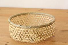 Bamboo Weaving, Weaving Art, Basket Weaving, Bamboo Crafts, Matcha, Serving Bowls, Wicker, Baskets, Japanese