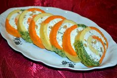 Organic Colored Roll Up Appetizer Romanian Food, Ketchup, Ratatouille, Sushi, Vegetarian Recipes, Rolls, Appetizers, Organic, Cheese