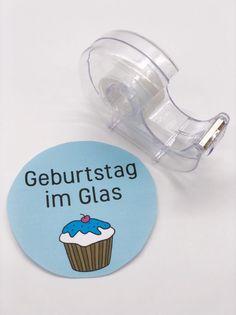 DIY Geschenke im Glas selber machen: Etikett mit Tesafilm überkleben Cash Gifts, Tutorials, Simple, Working Holidays