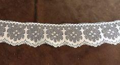 White Snowflake Lace Trim 1 3/8 inches    2 yard