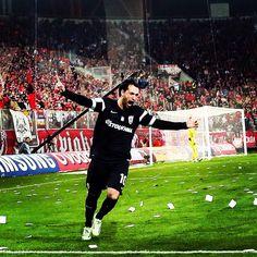Το γκολ και ο πανηγυρισμός της σεζόν από τον #FacundoPereyra #PAOK Thessaloniki, One Team, Soccer, Football, City, Sports, Collection, Football Shirts, Hs Sports
