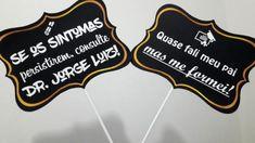 Plaquinhas personalizadas para formatura de Medicina Things To Do, Medicine, Party, Graduation, Graduation Cup, Graduation Party Decor, Graduation Pictures, Graduation Ideas