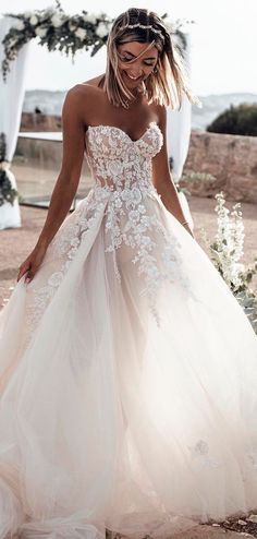 Sweetheart Neck Lace Rustic Wedding Dresses Long Tulle Beach Wedding Dress – The Best Ideas Maxi Dress Wedding, Wedding Dress Train, Rustic Wedding Dresses, Sweetheart Wedding Dress, Long Wedding Dresses, Gown Wedding, Mermaid Wedding, Wedding Ideas, Floral Wedding