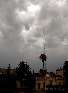 Hoy 6 de enero, cuál regalo de reyes, aire seco patagónico alejó un poco las nubes y las lluvias y nos ha entregado una jornada de clima muy agradable y especial para disfrutar del aire libre. http://www.coolrosario.com.ar/contrastes-de-verano.html