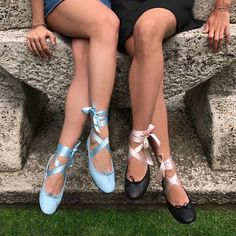 Barbie Movies, Fall Shoes, Dress To Impress, Me Too Shoes, Fashion Shoes, Shoes Sneakers, Footwear, Style Inspiration, Chic
