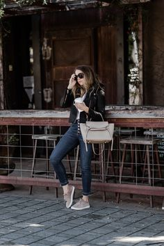 How I Style My Suede Koolaburra Sneakers Nude Outfits, Trendy Outfits, Jean Outfits, Fall Winter Outfits, Autumn Winter Fashion, Spring Outfits, 50 Fashion, Womens Fashion, Fashion Rings