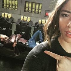 Agents of Shield season 3 behind the scenes skye / daisy chloe bennet ward << kinda looks like hunter, but it's hard to tell Agents Of Shield News, Agents Of S.h.i.e.l.d, Agents Of Shield Seasons, Marvels Agents Of Shield, Marvel Memes, Marvel Dc, Best Tv Shows, Movies And Tv Shows, Series Da Marvel
