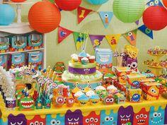 O tema de decoração Festa Monstrinhos é colorido e divertido e fará com que sua festa tenha a animação garantida. Confira os artigos de festa monstrinhos!