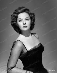 Golden age of hollywood actresses Old Hollywood Stars, Old Hollywood Glamour, Golden Age Of Hollywood, Vintage Hollywood, Classic Hollywood, Vintage Glamour, Classic Actresses, Hollywood Actresses, Actors & Actresses