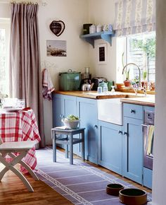 Love this color scheme... and again with the farmhouse sink