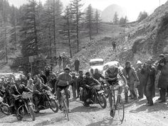 Jacques Anquetil leading the front....!