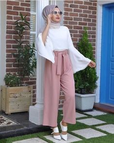 2019 Fashionable Hijab Outfits to Rock Hijab Fashion Summer, Modest Fashion Hijab, Modern Hijab Fashion, Muslim Women Fashion, Hijab Fashion Inspiration, Islamic Fashion, Modest Outfits, Fashion Outfits, Rock Fashion