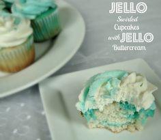 Jello Swirl Cupcakes with Jello Buttercream Icing - THIS! but in cake form. use jello buttercream as filling too! Köstliche Desserts, Delicious Desserts, Yummy Food, Unique Desserts, Pudding Desserts, Fun Food, Tasty, Swirl Cupcakes, Cupcake Cakes