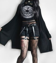 Outstanding Grunge Outfits Ideas For Women Alternative Mode, Alternative Outfits, Alternative Fashion, Dark Fashion, Grunge Fashion, Gothic Fashion, Fashion Top, Fashion Fall, Hipster Outfits