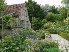 Homestead with a beautiful garden - Kasteelhoeve Loverlij (Jabbeke, Belgium)