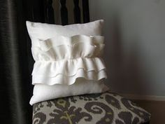 Felt Ruffle Pillow Tutorial. So simple and pretty