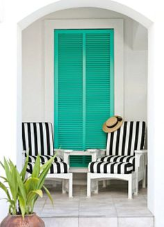 Bold Color Combination - Turquoise & Black!