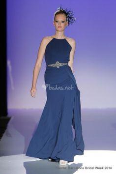 Vestido azul de Franc Sarabia - http://www.bodas.net/cat-DressList.php?tipo=2&Disenador=160