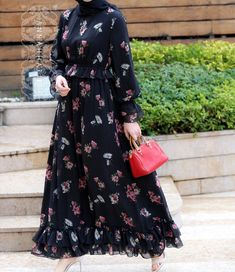 @annah_hariri ~~~~~~~~~~~~~~~~~~ FOLLOW @hijabstyleicon #tesettur#hijabfashion #hijabstyle #hijabbeauty #winter #hijabvideod #hijabstyleicon # #hijabmurah #hijabinstan #beautiful #hijabmurah #hijabers #hijabtutorial #hijabvideo #ksa #qater #oman #egypt #turkey #uk #usa