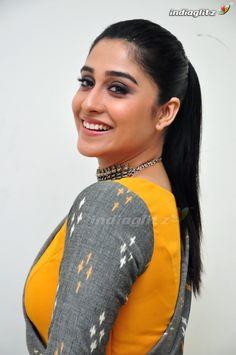 10 Most Beautiful Women, Beautiful Girl Indian, Beautiful Girl Image, Most Beautiful Indian Actress, Beautiful People, Indian Actress Photos, Bollywood Actress Hot Photos, Beautiful Bollywood Actress, Beautiful Actresses