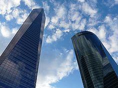 El techo de Madrid Skyscraper, Multi Story Building, Travel, Fotografia, Pictures, Skyscrapers, Viajes, Destinations, Traveling