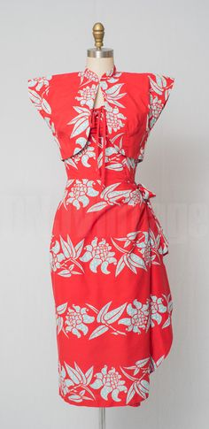 Hey, I found this really awesome Etsy listing at https://www.etsy.com/listing/234571282/1950s-fashion-vintage-1950s-sarong-dress