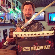 "Be afraid of the walking ""maja"" 😱 #thewalkingdead #twd #michonne #sword #amc #katana #artistlife #artgallery #artist #nerd #geek #limitededition #limited #collector #collection #zombie #serie #horror"
