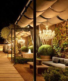 Outdoor Restaurant Design, Deco Restaurant, Rooftop Restaurant, Restaurant Interior Design, Coffee Shop Interior Design, Cafe Design, Jardin Decor, Rooftop Design, Café Bar
