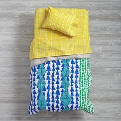 Mod Botanical Toddler Bedding (Yellow Hatch)