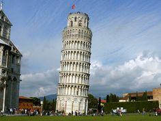 Te sorprenderás al ver esta torre quizás con un empujón se pueda caer